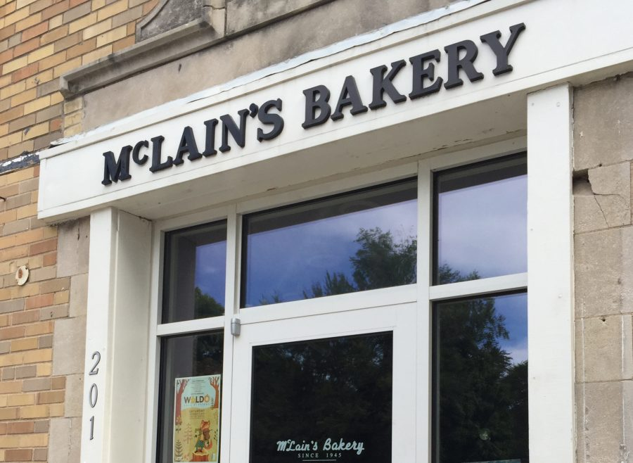 The+entrance+to+McLain%27s+Bakery%2C+the+third+of+three+bakeries+reviewed.+photo+by+Sophy+Silva
