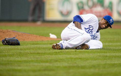 Royals starting pitcher dies in auto accident