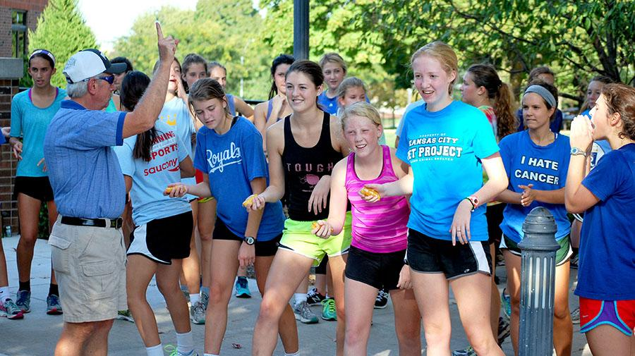 The first leg of the relay lines up ready to run around the quad during the annual cross country Twinkie relay on Thursday October 8. photo by Libby Hutchison