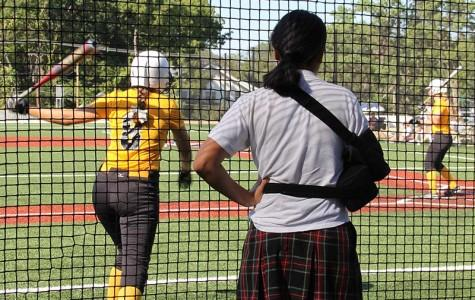 Softball seniors face struggles