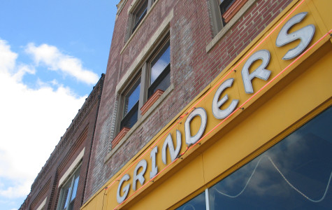 Grinders Pizza offers unique, gritty KC favorite