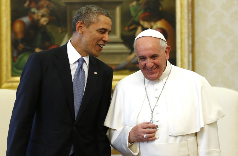 U.S. president Barack Obama converses and jokes with Pope Francis. photo courtesy by Vocativ