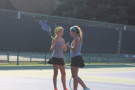 Tennis team competes in multiple tournaments, defeats Sion