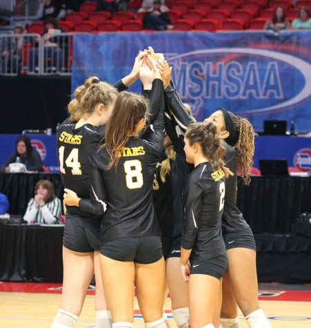 Volleyball team places fourth at State
