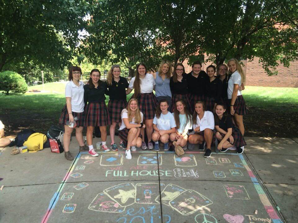 English+teacher+Lindsay+Duff+and+her+advisory+pose+for+a+photo+during+Frosh+Fest+at+the+beginning+of+the+2016-17+school+year.+photo+courtesy+of+Maureen+Burns