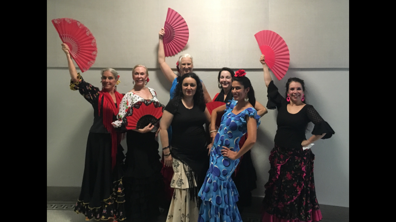 Garcia Gil poses for a picture with the dancers Sept. 15. photo by Ella Kugler