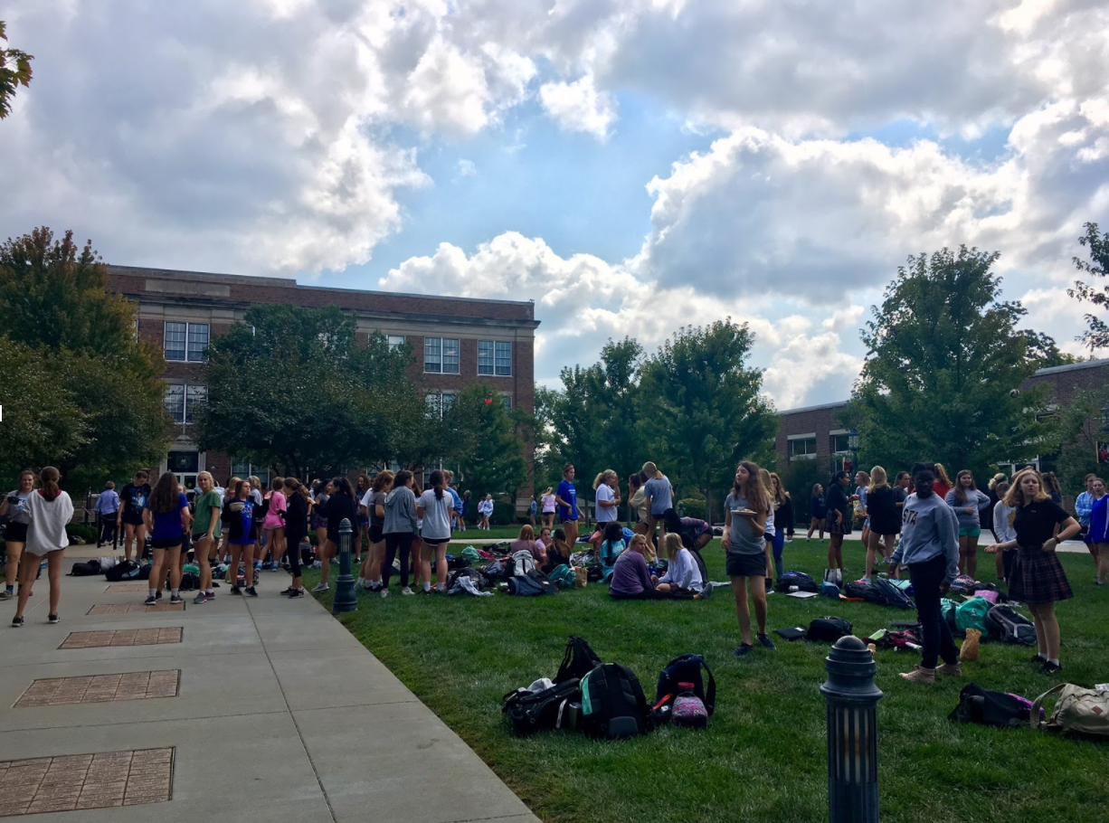 Freshmen enjoyed a yard day filled with music and raffles on Sept. 1. photo by Olivia Wirtz