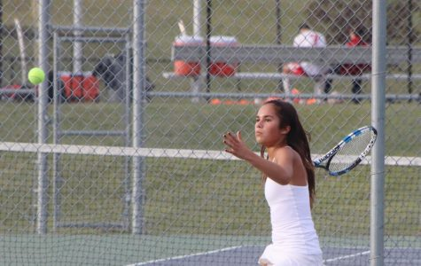 Tennis team competes at Districts at Park Hill South