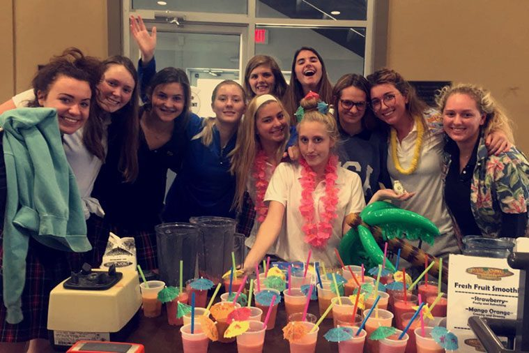 Members+of+CSJ+club+fundraise+by+making+and+selling+smoothies+during+lunch+Oct.+25-26.+photo+by+Ella+Kugler