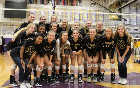 Varsity volleyball team wins Districts