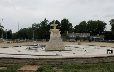 The fountain in Meyer circle is under construction for a renovation Sep. 26. photo by Delaney Hupke