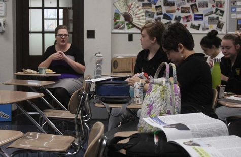 Ms. Stewart leads a class discussion about a video the debate team watches on Nov 13. Stewart said usually the meetings have more content other than a video. photo by Delaney Hupke