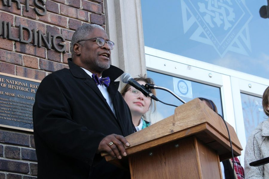 Mayor Sly James advocates for gun control to students and faculty in the quad March 7. Multiple news stations filmed the event. photo by Amy Schaffer