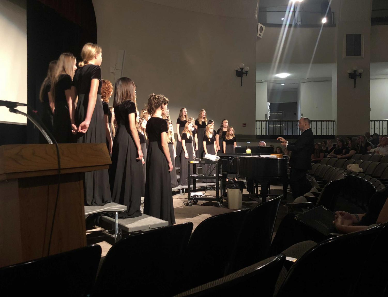 Members of STA's concert choir perform at the autumn concert Oct. 17. photo by Mia Falcon