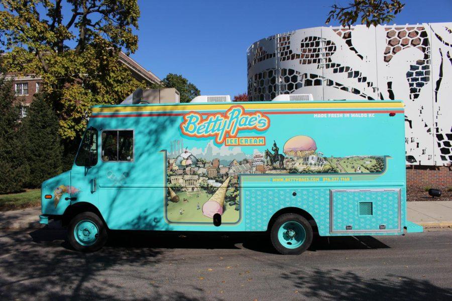 Betty Rae's truck visits STA